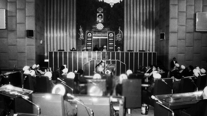 پاسخ به چند سوال درباره انتخاب آیت الله خامنه ای به عنوان رهبر انقلاب در سال 68